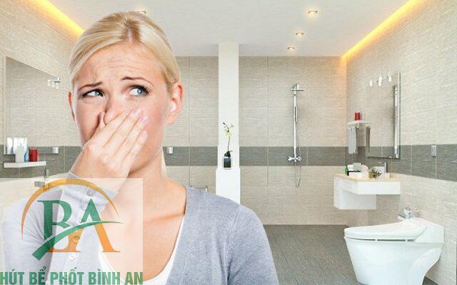 nguyên nhân gây mùi nhà vệ sinh